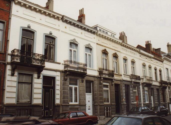 Affichage de la photo : Rue F�tis 28 � 38 (photo 1994).