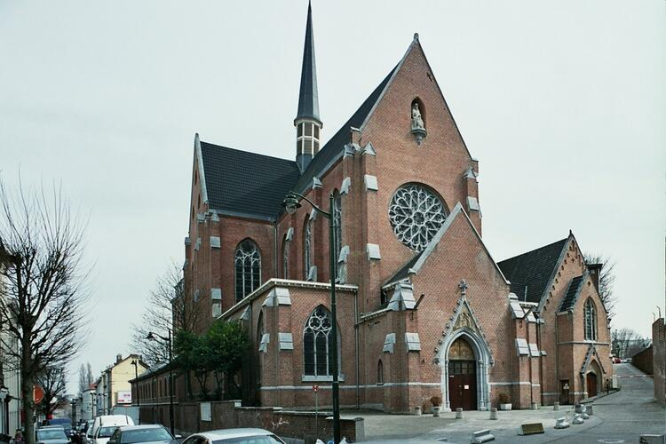Affichage de la photo : Chauss�e de Wavre 203-205, �glise des P�res du Saint-Sacrement (photo 2010).