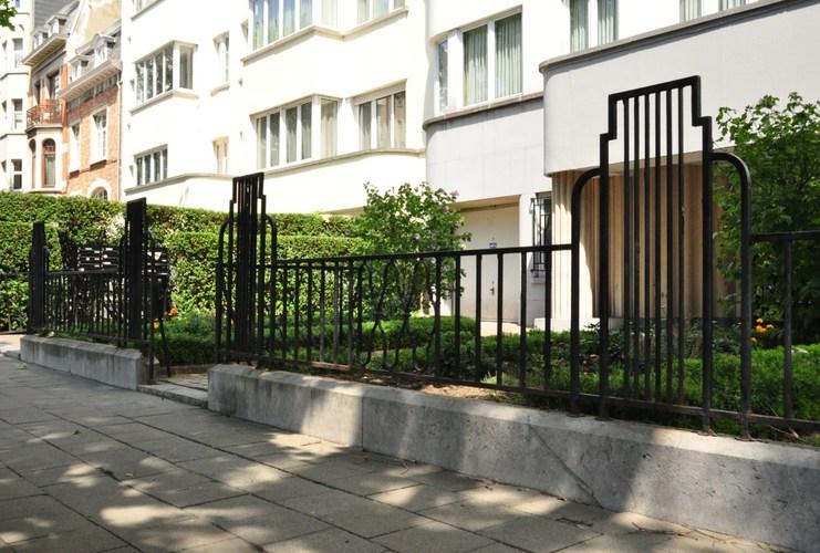 woluwe saint lambert boulevard brand whitlock 142 144 collin jean florian. Black Bedroom Furniture Sets. Home Design Ideas