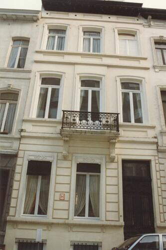 Affichage de la photo : Rue Marie-Th�r�se 83 (photo 1993-1995).