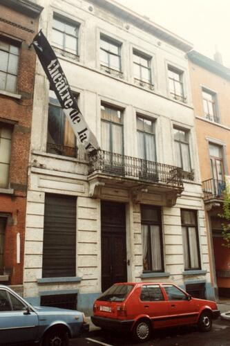 Affichage de la photo : Rue Traversi�re 47 (photo 1993-1995).
