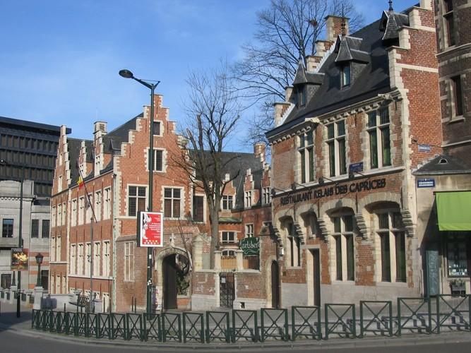 Glossaire n o renaissance flamande for Architecture flamande