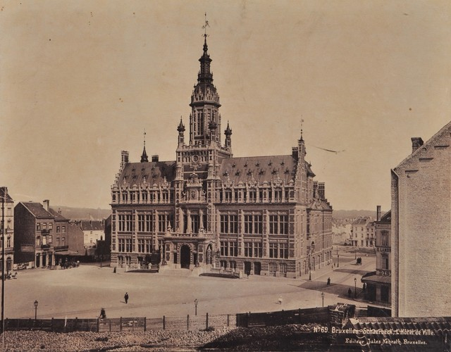 La place Colignon avant l'incendie de 1911 (Maison des Arts de Schaerbeek/fonds local).