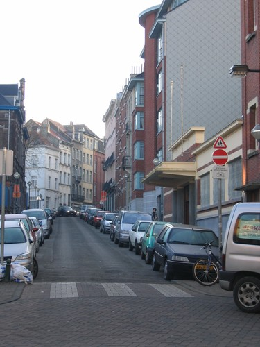 Affichage de la photo : Rue de la Perche, vue vers la rue Sterckx (photo 2004).