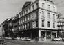 rue Royale 9-13, angle rue de l'Enseignement 2-8 (photo 1981).