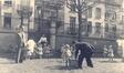 Rue Guillaume Tell 58, anc. cr�che �cole-gardinne Jourdan, jardin v. 1900 (archives de la cr�che Jourdan).