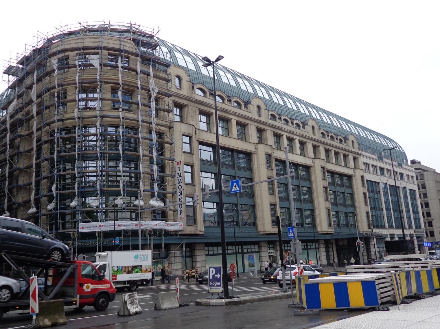 Bruxelles pentagone au bon march boulevard du jardin for Boulevard du jardin botanique 20