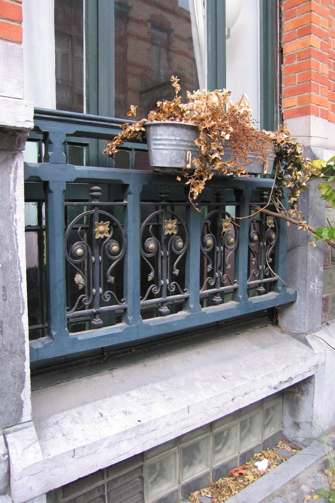 Bruxelles extension est rue de l 39 inquisition 26 lenoir for Fenetre rez de chaussee