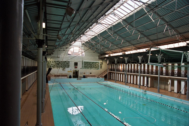 Ixelles piscine communale d ixelles rue de la natation for Piscine ixelles