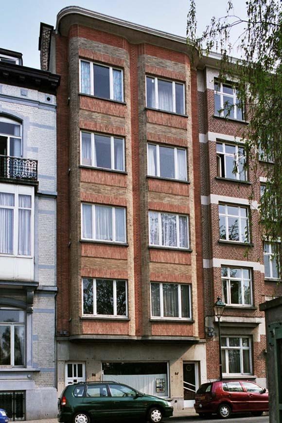 Saint gilles rue de parme 54 54a van reck marius for Rue de parme
