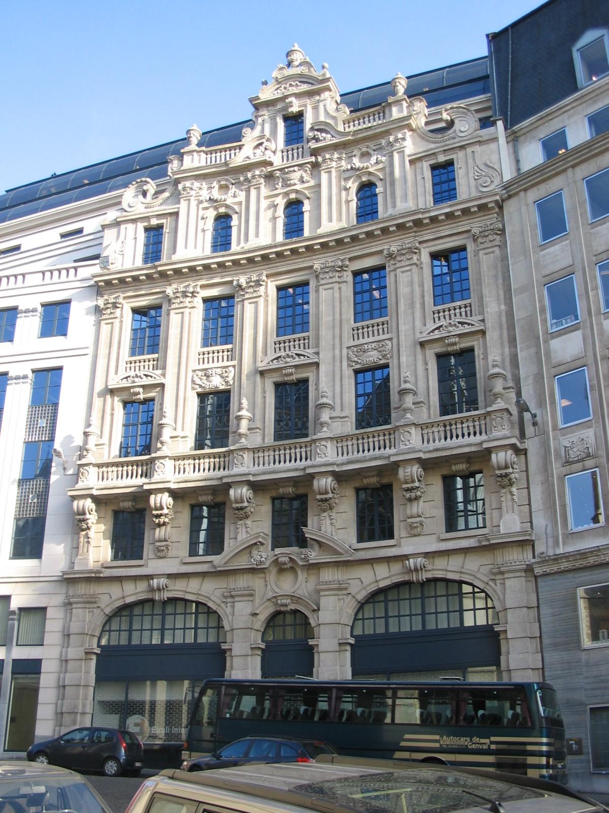 Neobarok appartementsgebouw sint goedeleplein 23 for Define baroque style