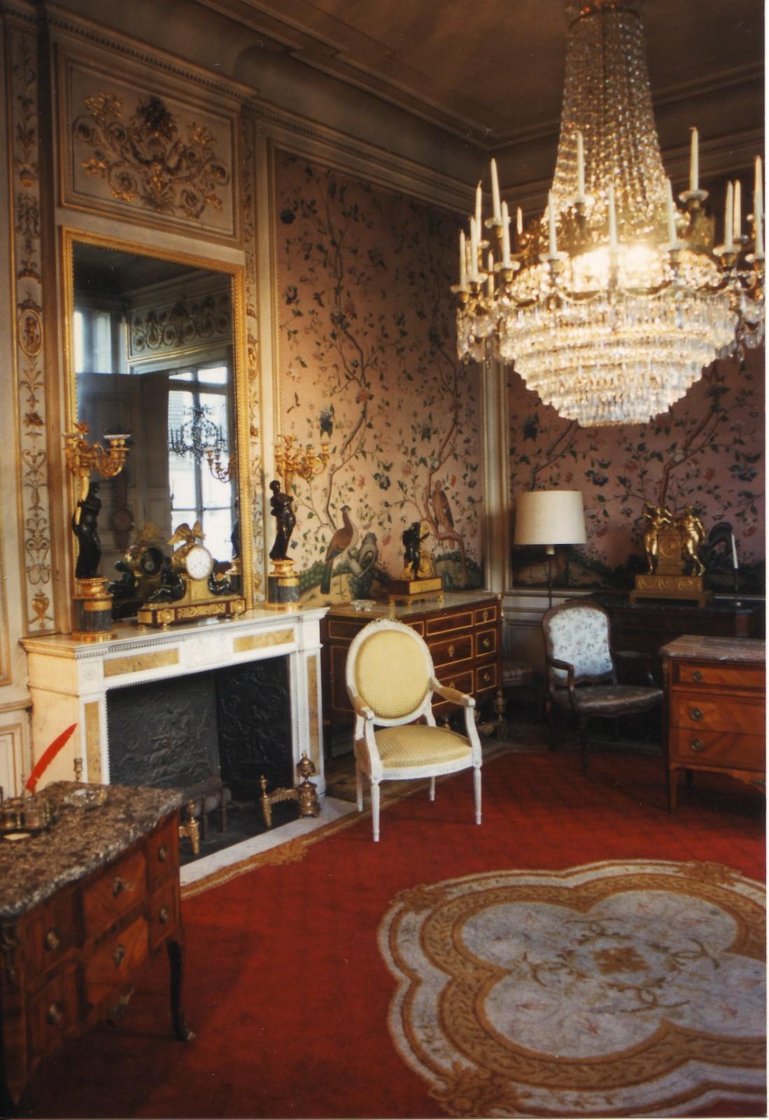 Int rieur de style louis xvi h tel de ma tre place du for Eclectische stijl interieur