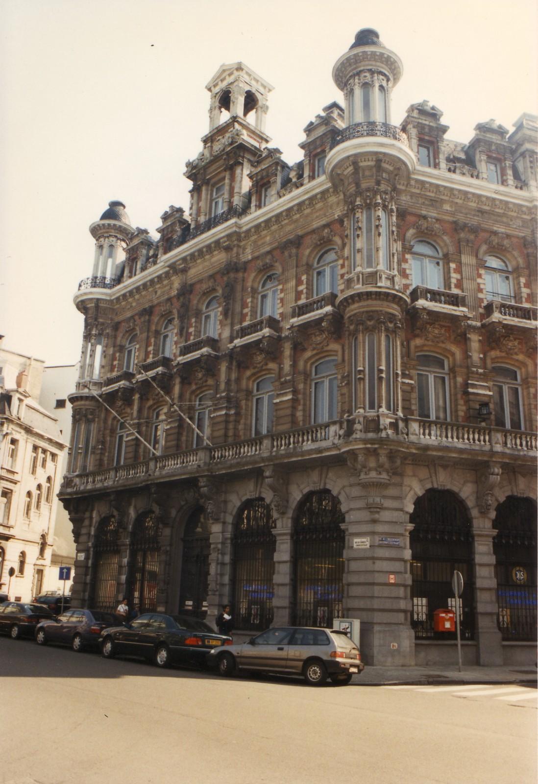 Style n o renaissance flamande h tel de knuyt de vosmaer for Architecture flamande